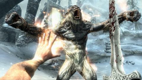 Skyrim - битва с морозным троллем